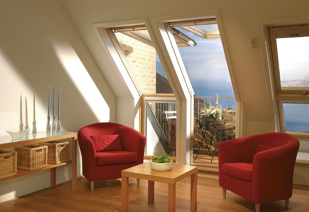 Окно-балкон и терраса velux.